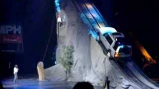 Mountain Climber vs. Land Rover