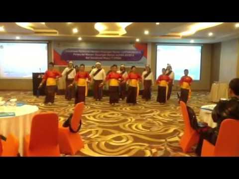 Tari Hegong persembahan KPP Pratama Kupang