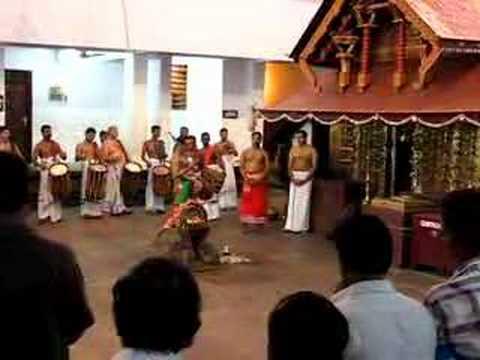 Theyyam At Parassinikadavu Muthappan Temple video