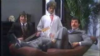 Life Begins At Forty  - Dave & The Dynamos (1983)