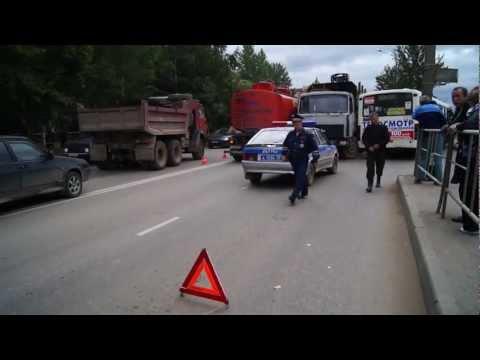 Автобус, бензовоз и лесовоз столкнулись в  ДТП на Конева в Вологде 30.08.2012 [ФОТО, ВИДЕО]