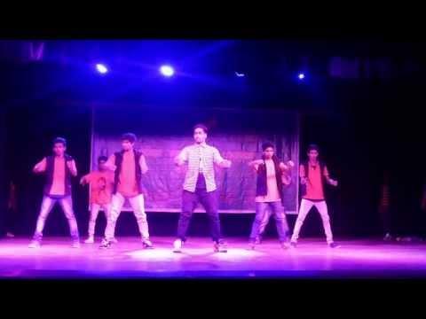 Vaibhav Ghuge - Lungi Dance - On Public Demand Bolly-tolly Ka Mix Tadka Dedicated To Taillaiva video