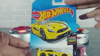 Hot Wheels é hora de abrir miniaturas