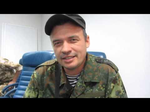 Семенченко убегает за 10 минут до боя (надо комбата спасать, говорит)