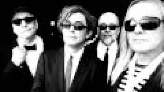 Watch Cheap Trick Everybody Knows video