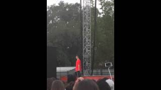 video Austin Mahone singing thinking out loud in tampa at busch gardens 4/18/15.