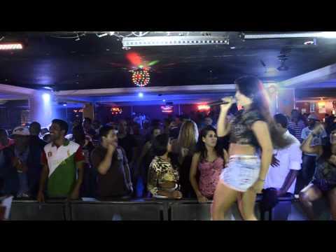 Putaria Em Baile Funk Novinha Chupa Pal De DanÇarino E Leva Pentada Violenta video