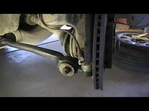 Ремонт и замена нижнего рычага управления на АУДИ А6 (Audi A6 C4). Видео