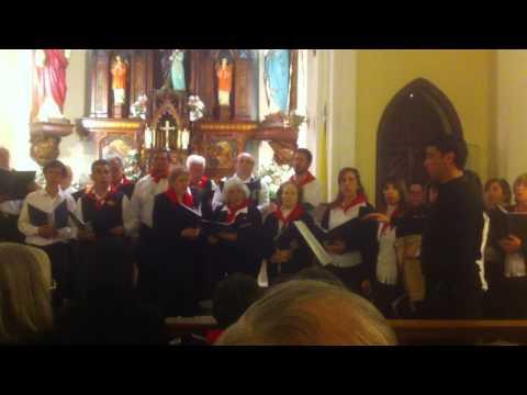 Coro vasco de cris, tandil, iglesia santa ana, (detras de una pelada)