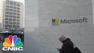 Microsoft Makes Big Splash With $26.2B LinkedIn Deal | Tech Bet | CNBC