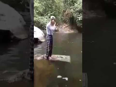 Video orang gila sholat
