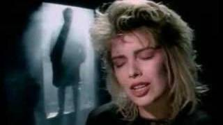Клип Kim Wilde - You Keep Me Hangin' On