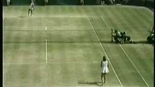 Chris Evert d. Evonne Goolagong - 1976 Finals of the Big W