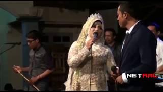 download lagu Pengantin Menyanyikan Lagu Dermaga Cinta - Suaranya Gk Kalah gratis