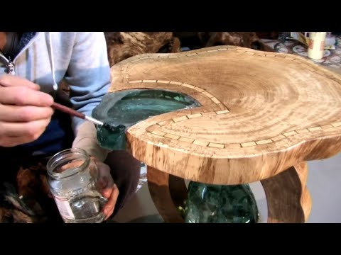 Table wood and crystals. Стол из дерева и хрусталя.