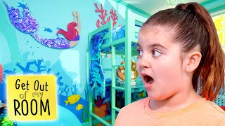 Girl Gets MERMAID Room Makeover 🧜‍♀️🐠🐚 | Get Out Of My Room | Universal Kids