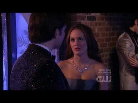 Chuck And Blair Kiss On The Neck video