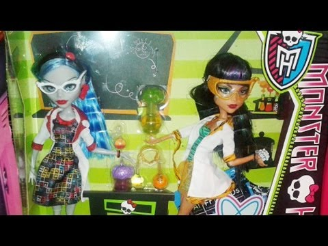 Monster High Stuff in Turkish Stores Now. Qweenies? and other stuff - EP