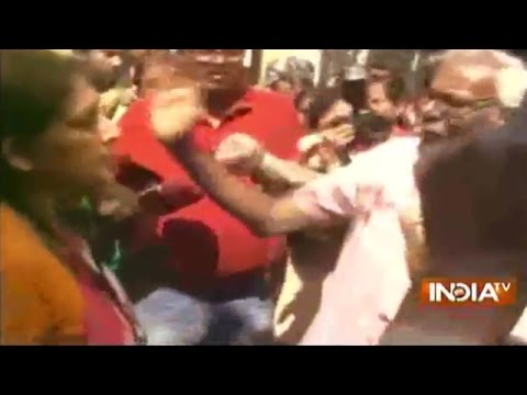 West Bengal Elections 2016: BJP candidate Rupa Ganguly caught in scuffle with TMC workers