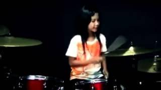 Download Lagu young girl dangdut drummer Gratis STAFABAND