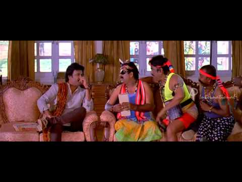 Kuselan Tamil Movie - Fans gather around to meet Rajinikanth