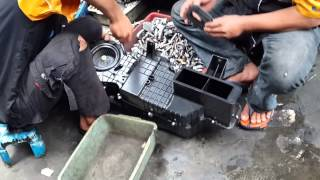Video Daihatsu Terios ~ SERVICE AC MOBIL TOYOTA RUSH plus PASANG CABIN FILTER   YouTube