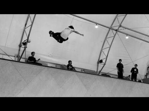 Ronnie Sandoval Padless Vert Skating!! - Behind the Scenes - Omar Salazar Clips