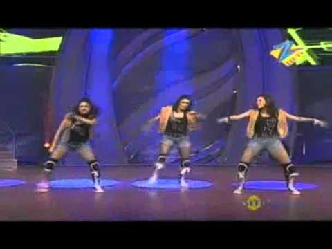 Dance Ke Superstars April 15 '11 - Vrushali, Bhavna &amp; Alisha -BPa5kKTD5C8
