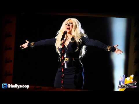 christima-aguilera-says-people-making-fun-of-her-weight-doesnt-bother-her.html
