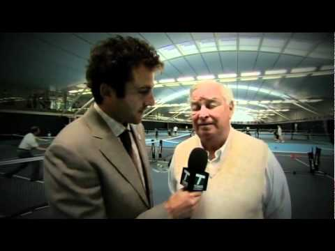 US Ambassador Louis Susman and マルチナ ナブラチロワ Visit National テニス Centre in Roehampton
