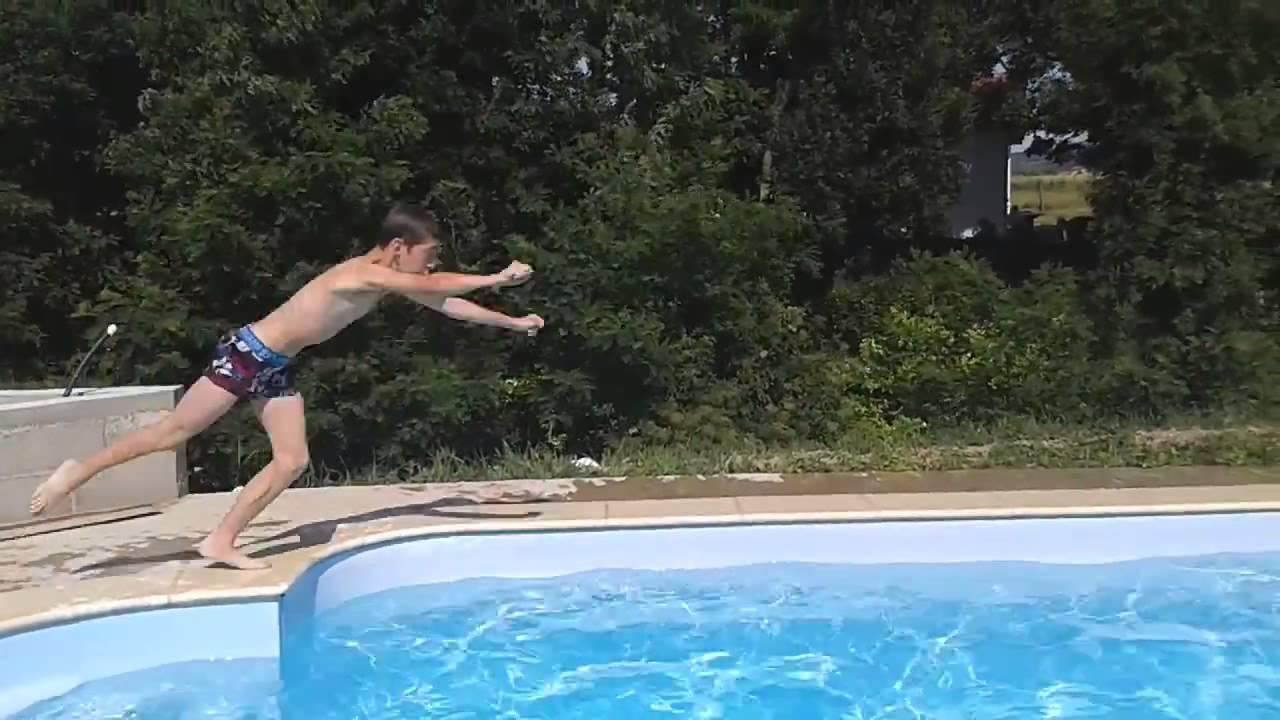 defi entre pote peut on faire superman dans la piscine sans faire de plat