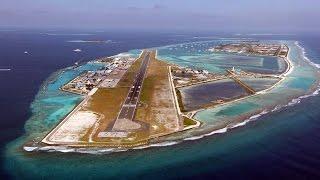 De landing in Male Airport, Malediven - Luchtfoto van de Malediven
