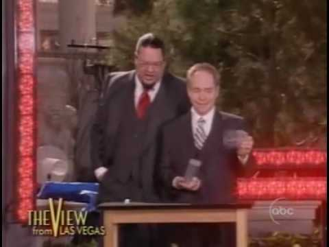 Penn and Teller - cups and ball trick