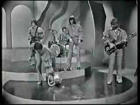 Perth pop group The Valentines was, for a brief period, one of the most popular bands in the country. Although they started out a energetic soul/R&B band, their best known image was associated...