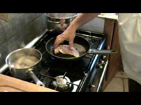 French cooking chicken supremes with mushrooms, olive oil & white aspargus THEFRENCHCOOKER