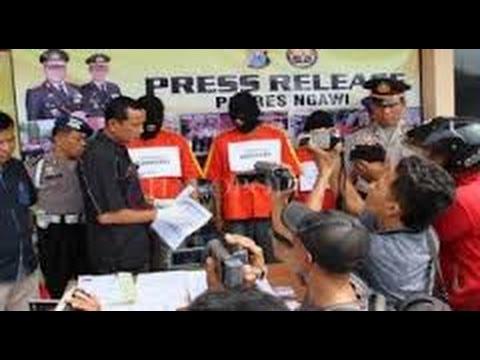 Berita 30 Juli 2015 - VIDEO Polisi Amankan Empat Terduga Penipuan CPNS Jabar