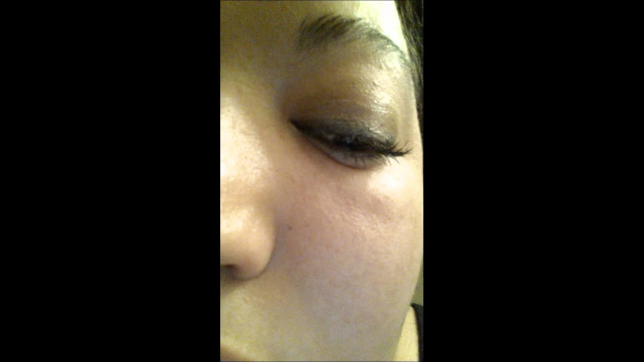 Eye twitch: lower eyelid twitch, caused by stress - YouTube