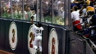 1991 WS Gm6: Puckett's amazing leaping grab at the wall