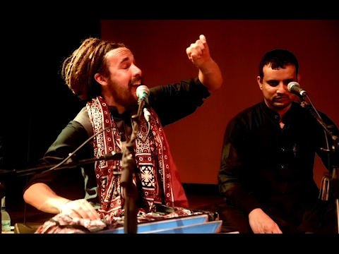 The Controversial Qawwali - Halka Halka by Tahir Qawwal & Party