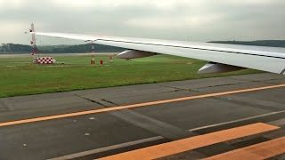 New Chitose Airport 19R Take-off / 新千歳空港 雲を突き抜けて離陸 (ANA 777-200)