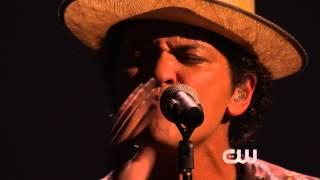 Download Lagu [HD] Bruno Mars - Gorilla @ iHeartRadio Music Festival 2013 Gratis STAFABAND