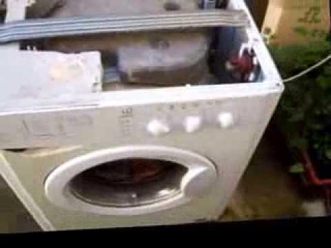 Indesit wil 86 anche il secondo mulo si stancato xd for Lavatrice si blocca durante il lavaggio