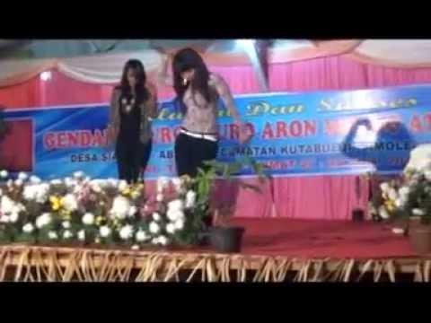 Acy Itana Cakap Male Kerja Tahun Desa Siabang abang 27 28 Juni 2013