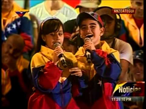 Lucia Valentina Ft El Potrillo - Chavez Viviras (en Vivo)