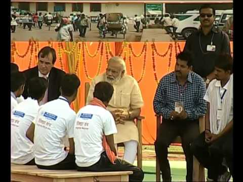 PM launches E Rickshaw service in Varanasi