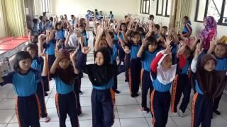 Latihan Tari   Siswi Kelas 1 Tahun Pelajaran 2016/2017   SDN Rengas Kec. Ciputat, Tangerang Selatan