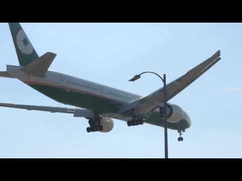 Eva Air Boeing 777-300ER [B-16720] landing in LAX