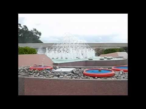 0 Disney Shooting Fountains At Epcot (Slow Motion) 2013 04 14 1100