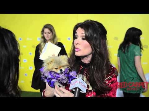 Lisa Vanderpump at the World Dog Awards on The CW Green Carpet #CelebrityDogs #DogTales