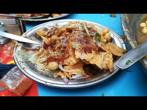 Pakistan Street Food in Karachi | CHANA CHAAT | Papri Chaat